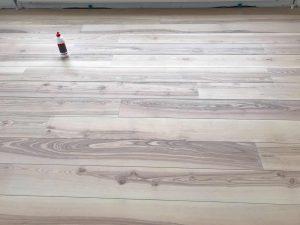 eiken houten vloer leggen